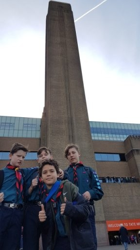 Scouts outside Tate Modern